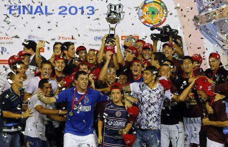Lanus Campeon de la Copa Total Suramericana 2013
